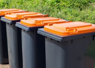 Residential and Domestic Wheelie Bin Cleaning services in the Harrow Borough from £4.00 per clean